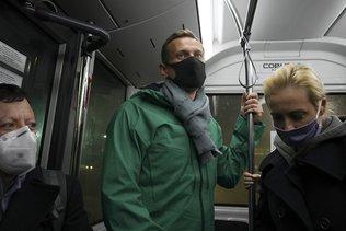 L'opposant Alexeï Navalny arrêté dès son retour à Moscou