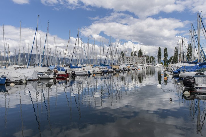 La navigation de nuit sur les lacs de Neuchâtel et de Morat autorisée