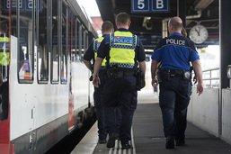 Opération de police à Däniken après une alerte à la bombe