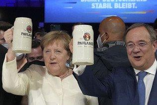 """Merkel appelle à voter Laschet pour que """"l'Allemagne reste stable"""""""